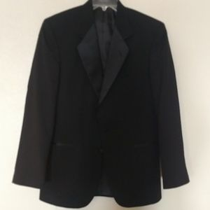 Traditional Men's Black Tuxedo